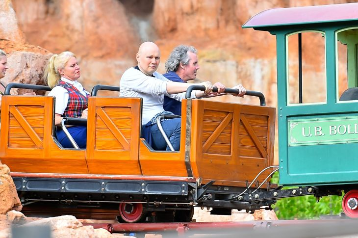 1437777701-billy-corgan-disneyland-sad